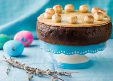 Simnelcake Traditionele Engelse Pasen-cake met marsepein stock foto