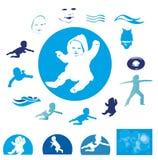 Simning behandla som ett barn Royaltyfri Fotografi