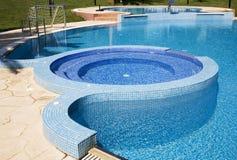 simning för 3 pöl Arkivfoto