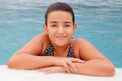 simning för barnflickapöl Royaltyfri Bild
