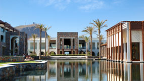 simning för byggnadspölrestaurang Royaltyfria Bilder