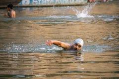Simningman i Gangesen Fotografering för Bildbyråer