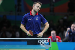 Simon léger jouant le ping-pong aux Jeux Olympiques à Rio 2016 Image stock