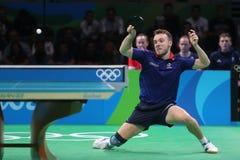 Simon léger jouant le ping-pong aux Jeux Olympiques à Rio 2016 Image libre de droits