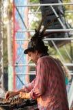 Simon Posford bawić się na scenie HillTribe klub w Goa, India Obrazy Royalty Free