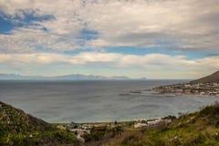 Simonstown auf den Ufern der falschen Bucht in Südafrika lizenzfreie stockfotos