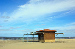 Simple beach wooden cabana Royalty Free Stock Photos