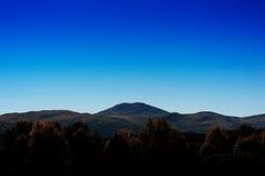 Simple mountain peak landscape background Royalty Free Stock Photography