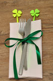 A simple table setting for St Patrick& x27;s day Royalty Free Stock Image