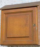 Simple wooden mailbox Royalty Free Stock Photos