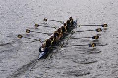 Simsbury在查尔斯赛船会妇女的青年时期Eights头赛跑  免版税库存图片