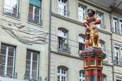 Simsonbrunnen eller Samson springbrunn, Bern Arkivfoton
