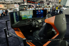 Simulateur d'expérience de conduite de Peugeot, 2014 CDMS Photos libres de droits