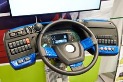 Simulatorstuurwiel en dashboard van elektrische bus royalty-vrije stock afbeeldingen