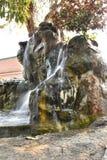 Simulez de la cascade dans le jardin Photographie stock libre de droits