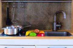 Simuliertes Kind-` s Küchengeschirr Lizenzfreies Stockbild