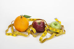 Vruchten en een metingsband Royalty-vrije Stock Afbeelding
