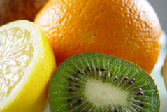 Sinaasappel, citroen en kiwi. Stock Foto