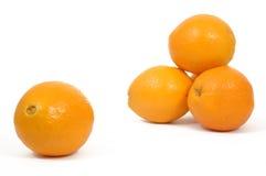 Sinaasappel clouseup en stapel stock foto's