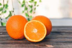 Sinaasappel, de Helft van Sinaasappel Gezond levensstijlconcept Stock Foto's