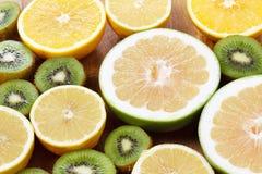 Sinaasappel, de het gezonde voedsel en kiwi van citroencitrusvruchten Royalty-vrije Stock Fotografie