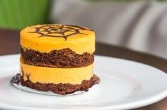 Sinaasappel en chocoladecake Royalty-vrije Stock Foto's