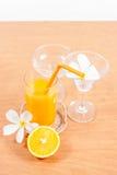sinaasappel en glas met sap Stock Foto's