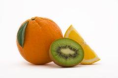Sinaasappel en kiwi Stock Foto's