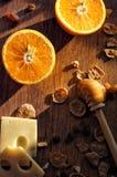Sinaasappel, kaas, cornflakes en honing Royalty-vrije Stock Fotografie