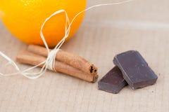 Sinaasappel met chocolade Stock Foto's