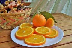 Sinaasappelen, bananen, kiwi, Royalty-vrije Stock Afbeeldingen