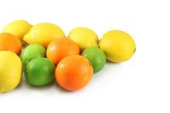 Sinaasappelen, citroenen, kalk Royalty-vrije Stock Afbeeldingen