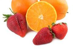 Sinaasappelen en Aardbeien Royalty-vrije Stock Afbeeldingen