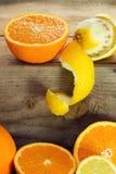 Sinaasappelen en citroen Stock Afbeelding
