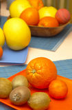 Sinaasappelen, kiwi en grapefruit   Royalty-vrije Stock Afbeeldingen