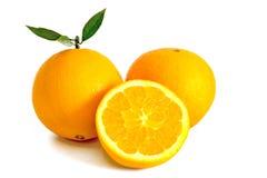 Sinaasappelen op witte achtergrond Royalty-vrije Stock Foto's