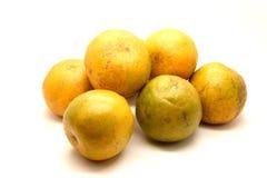Sinaasappelen op witte achtergrond Royalty-vrije Stock Afbeelding