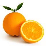 Sinaasappelen op witte achtergrond worden geïsoleerd die Royalty-vrije Stock Fotografie