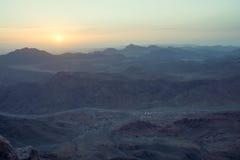 Sinai berg på gryning Arkivfoto