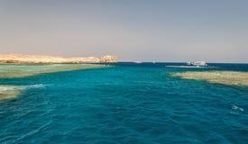Sinai bergen en schilderachtige landschappen van het rode overzees in Egypte Rondvaart op het rode overzees royalty-vrije stock afbeeldingen