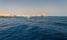 Sinai bergen en schilderachtige landschappen van het rode overzees in Egypte Rondvaart op het rode overzees stock foto