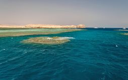 Sinai bergen en schilderachtige landschappen van het rode overzees in Egypte Rondvaart op het rode overzees stock fotografie