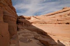 Sinai woestijn met zand en zon onder blauwe hemel in december Stock Afbeelding