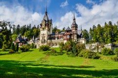 SINAIA, Rumania - castillo real Peles Fotografía de archivo libre de regalías