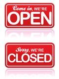 Sinais abertos e fechados Fotografia de Stock