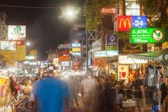 Sinais ao longo da estrada de Khao San Fotos de Stock