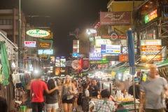 Sinais ao longo da estrada de Khao San Imagens de Stock Royalty Free