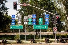 Sinais da interseção de Route 66 Fotografia de Stock