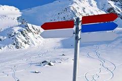 Sinais da vila do inverno Fotos de Stock Royalty Free
