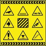 Sinais de aviso 2 do perigo Fotografia de Stock